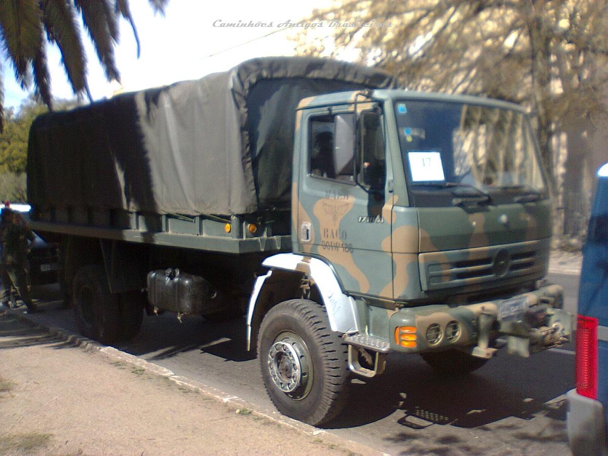 MERCEDES-BENZ: Caminhão 1720A 4×4 um militarizado bom de briga.
