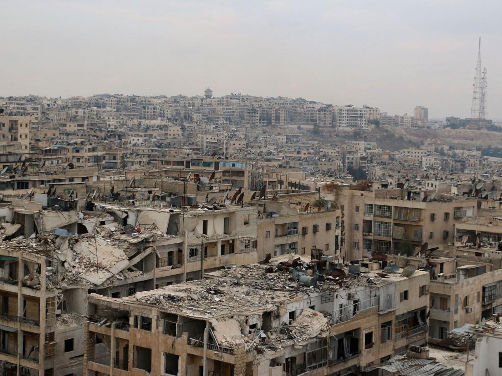 Rússia admite bombardear Alepo para impedir avanço 'jihadista'
