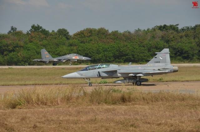 Exercício conjunto PLAAF e Força Aérea da Tailândia.
