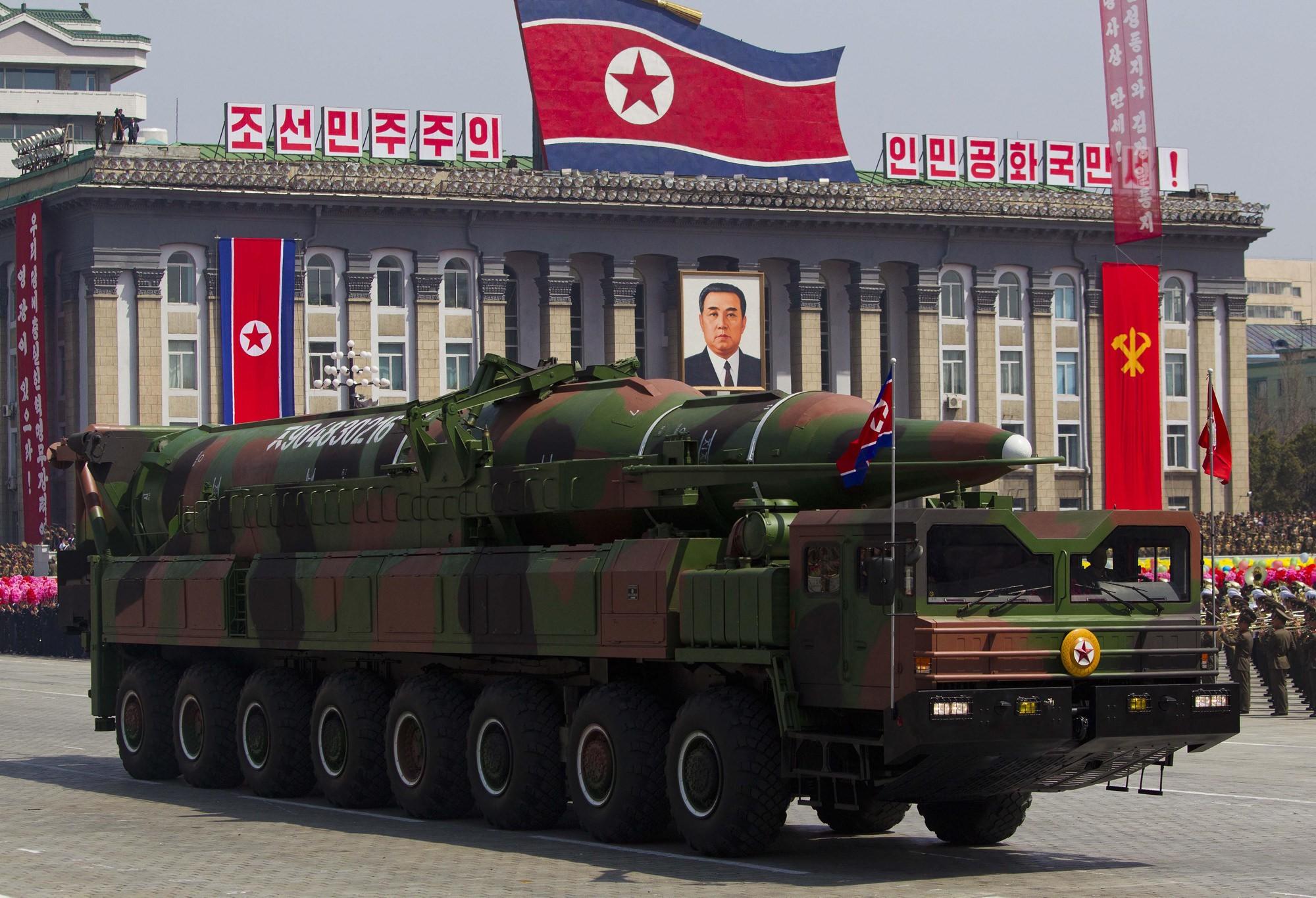 Coreia do Norte teria 21 bombas nucleares, segundo especialistas