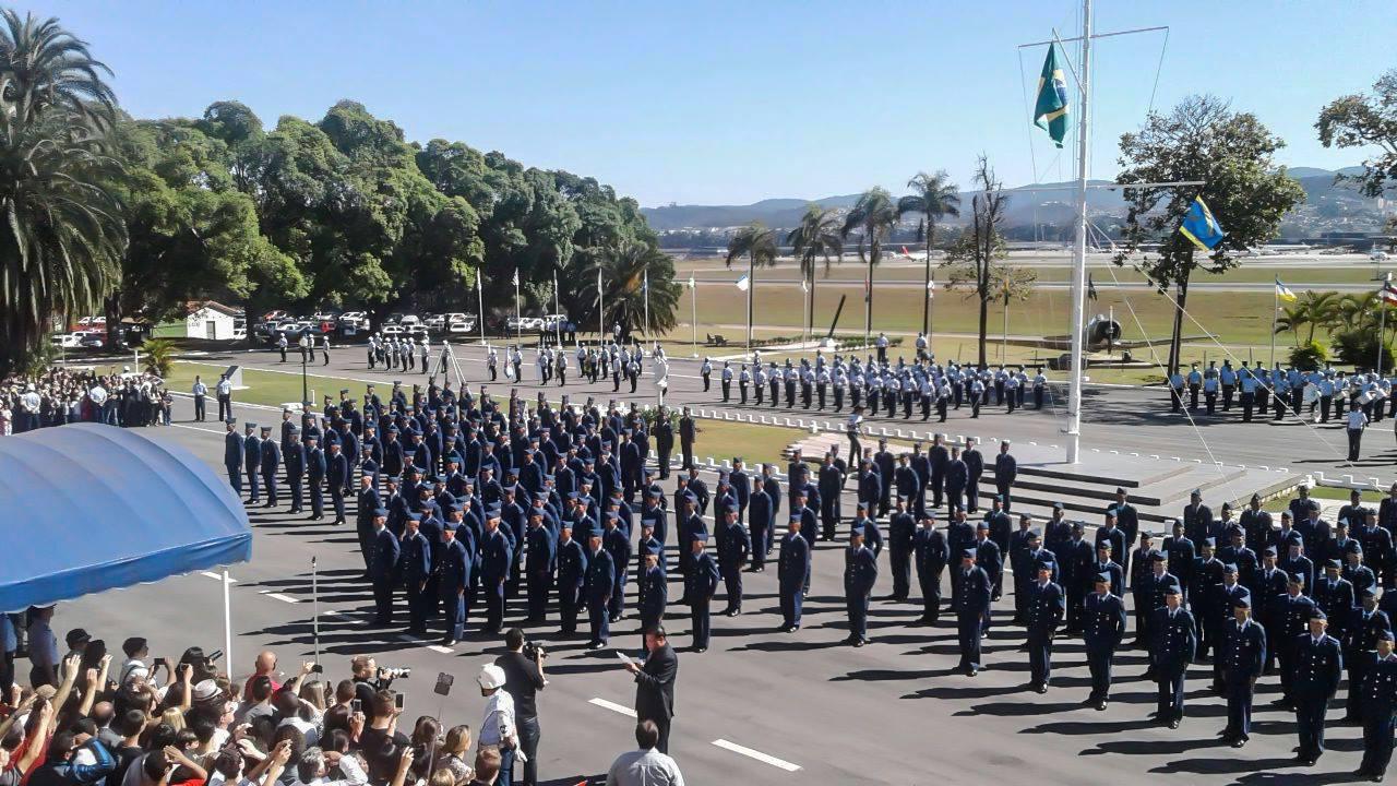 """FAB PÉ DE POEIRA: BINFA-54 """"Batalhão Guaru"""" forma novos militares das guarnições da área do IV COMAR."""