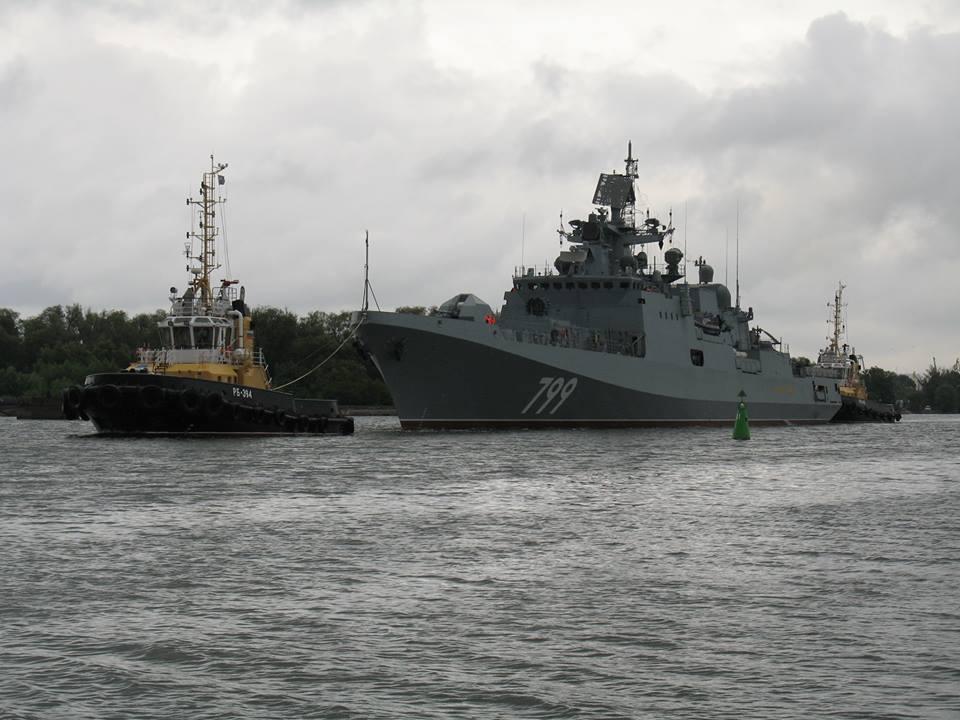 """Fragata """"Almirante Makarov"""" é  transferida para os testes de mar"""