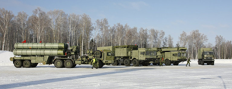 S-400-Battery-Components-Missiles.ru-1S