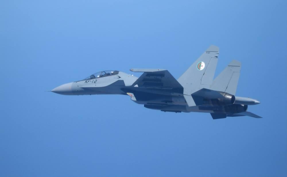 Rússia assinou mais um novo contrato com a Argélia para fornecer 14 novos caças  Su-30MKA