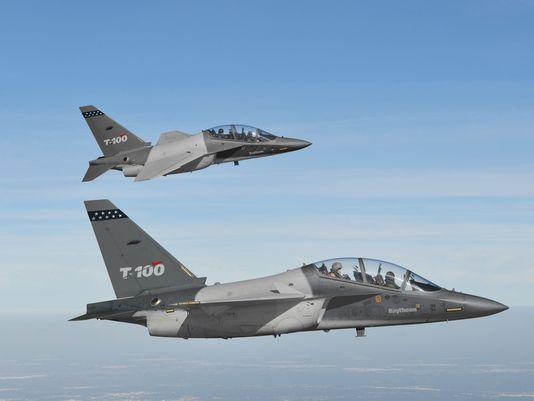 Raytheon apresenta o T-100 e dá pistas sobre o que pode vir a ser o substituto do A-10