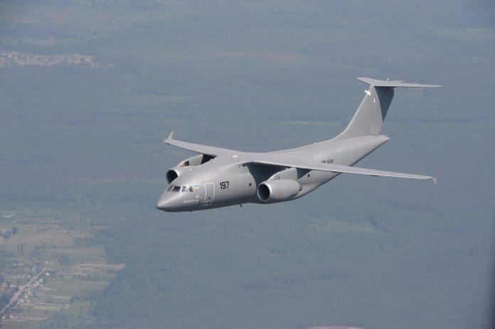 Antonov AN-178 realiza testes de cargas com o HMMWV M1097A2