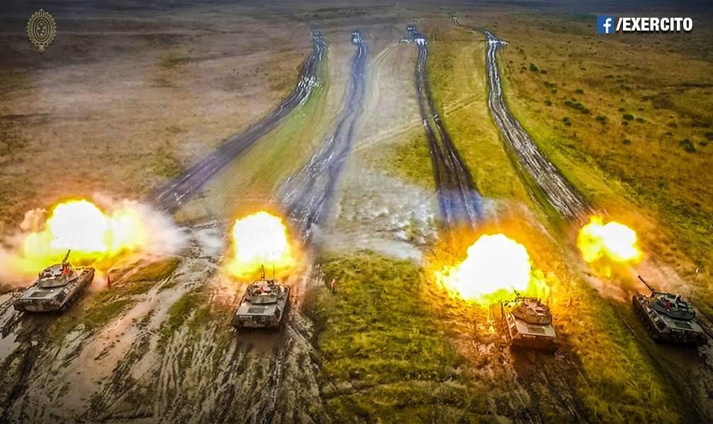 """Plano Brasil/Vídeo/Foto (EB): """"Leopards 1A5BR do 1º RCC em ação simulada na frente de combate!"""""""