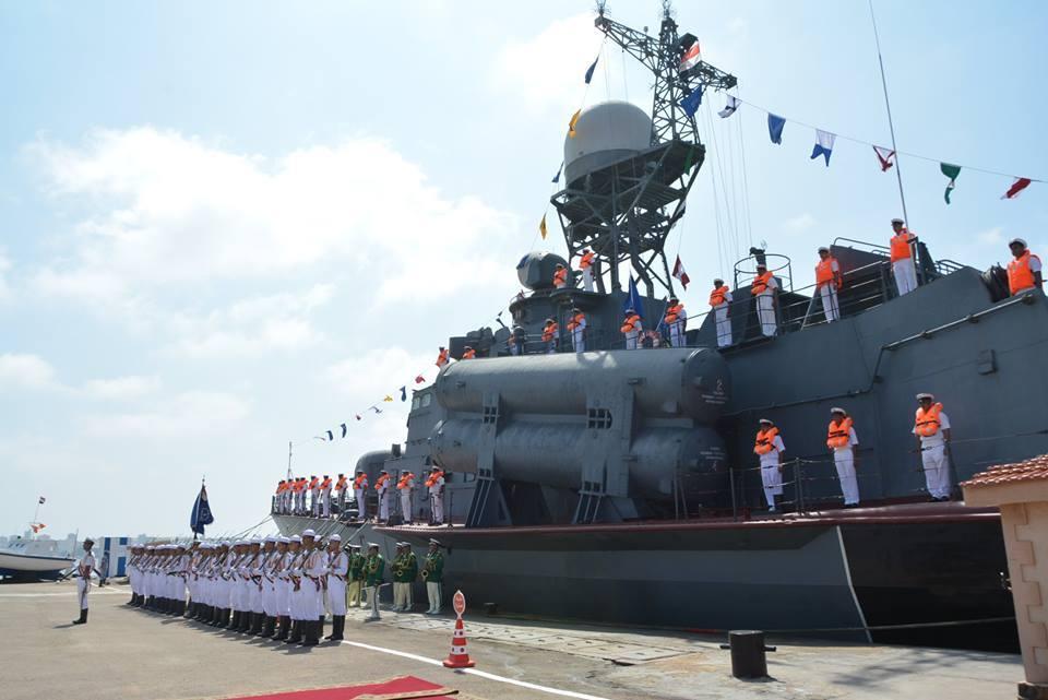Embarcação lança mísseis R-32 é entregue ao Egito