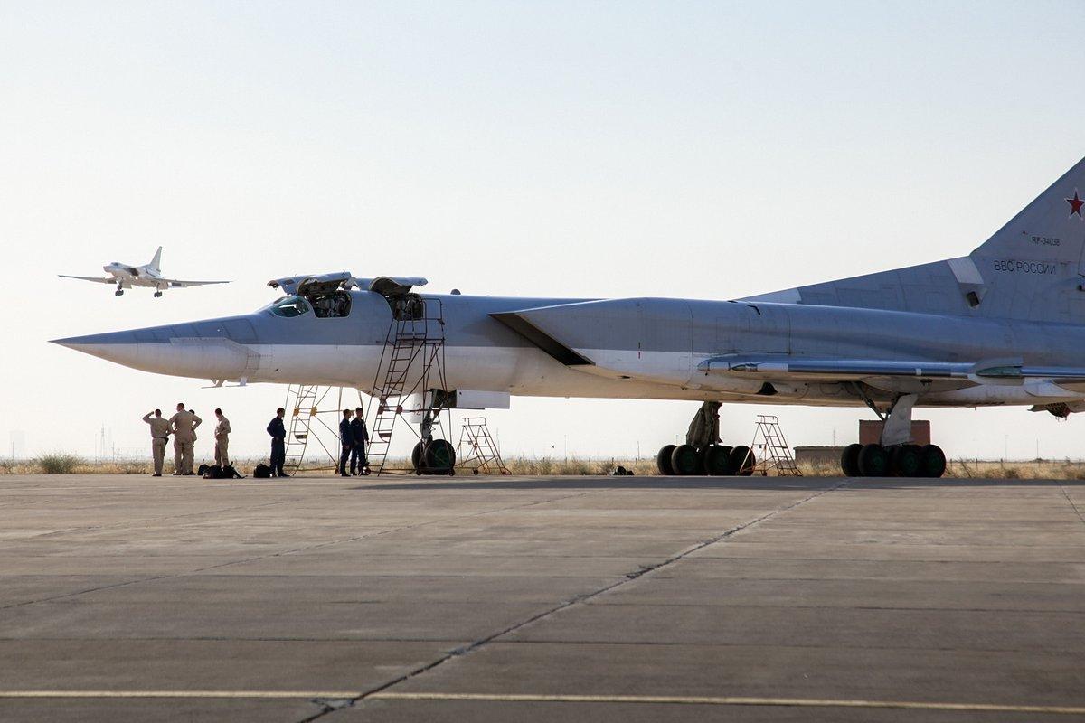 Russian-jets-in-Iran-2