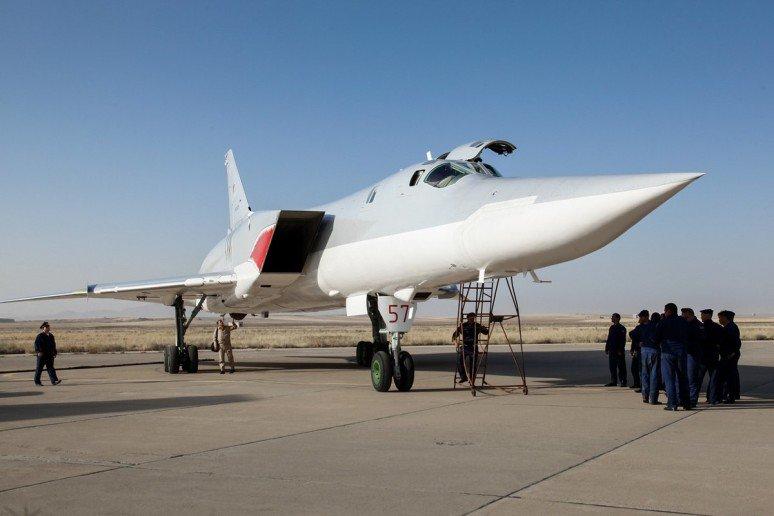 Russian-jets-in-Iran-3-774x516