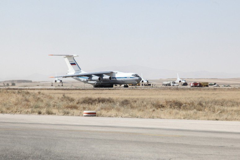 Russian-jets-in-Iran-4-774x516