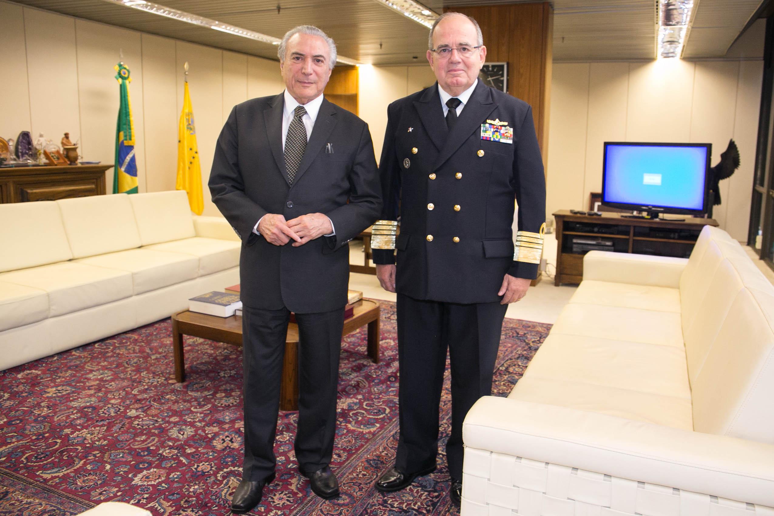 EXCLUSIVO: Restrições orçamentárias previstas para 2017 levam gestão Leal Ferreira a rever metas de reaparelhamento da Marinha