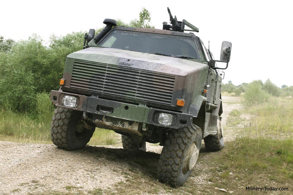 Acima: A suspensão do Dingo 2 permite uma excelente performance em terreno acidentado.