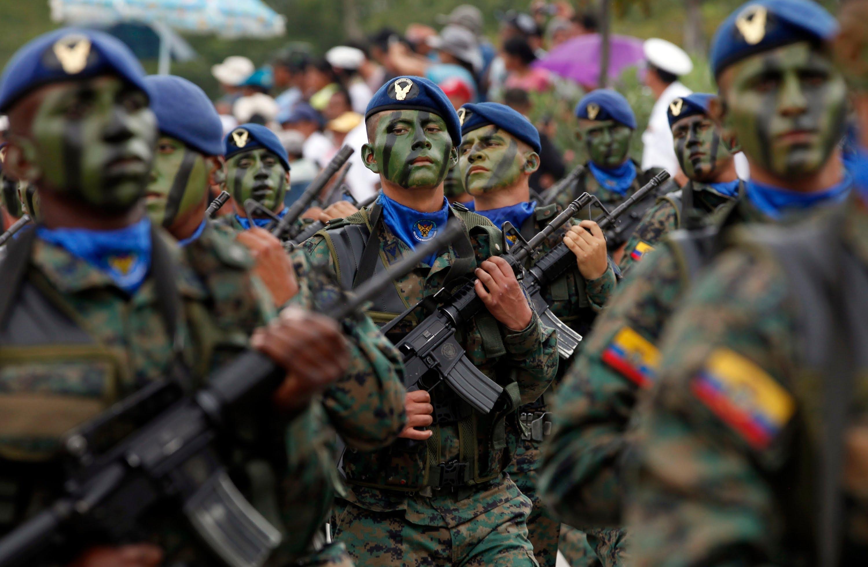 Infantería Aérea  do Equador e sua missão de patrulhamento conjunto das fronteiras.