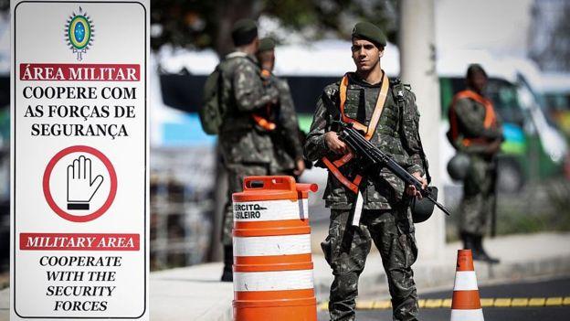 Cerca de 95% dos flagrados com drogas são soldados temporários e recrutas com 18 anos