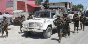 MINUSTAH: Militares Chilenos reforçam a segurança da capital Haitiana.