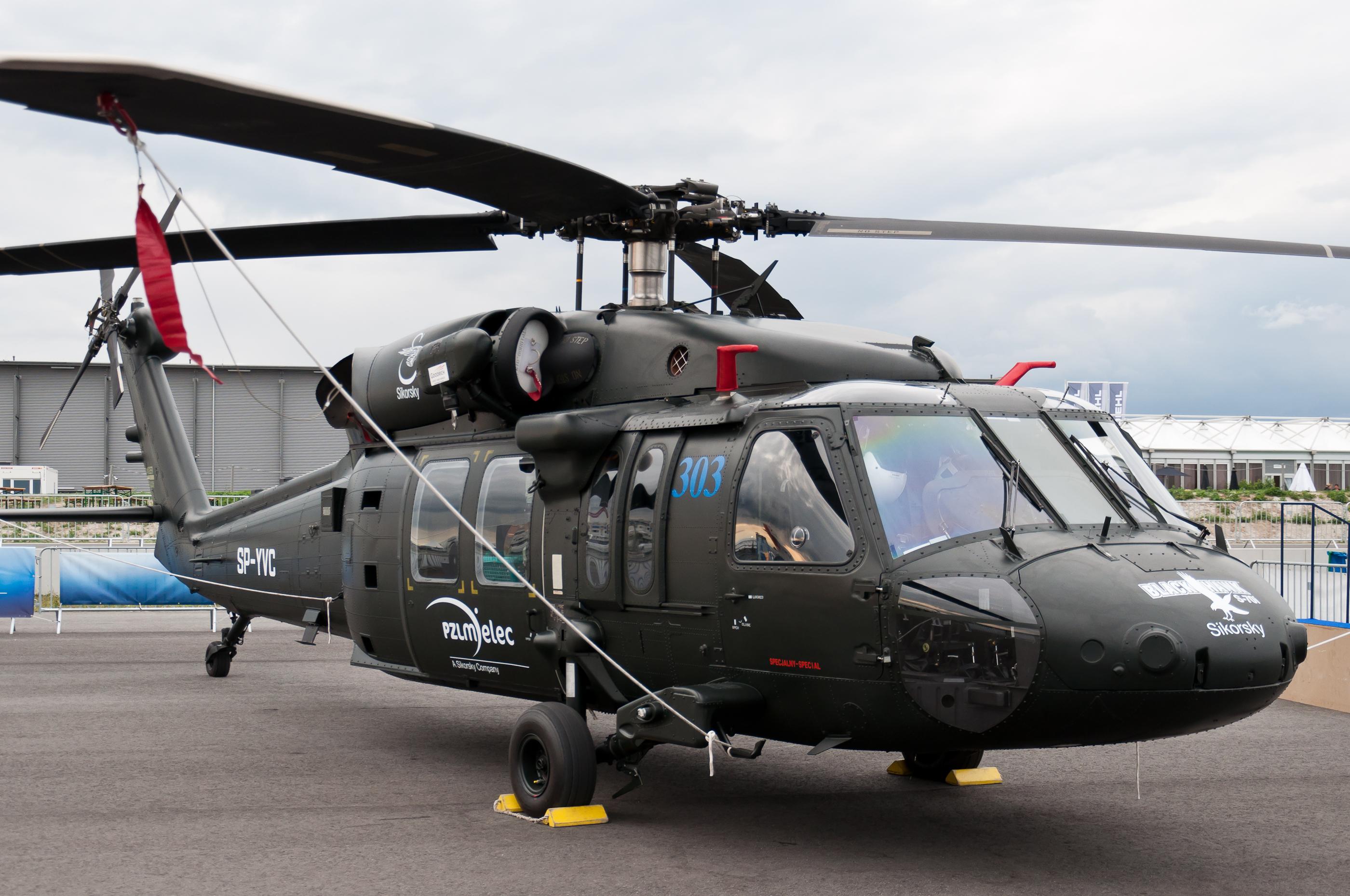 Força Aérea Chilena compra helicópteros Sikorsky S-70i