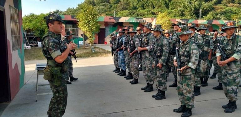 Vídeo: Quando o Exército Brasileiro Treinou na China
