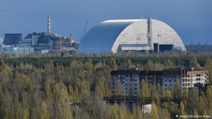 Reator de Chernobyl recebe nova cobertura