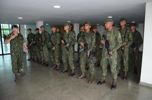 Fuzileiros Navais embarcam para Porto Velho (RO) para prestar apoio à Operação Madeira