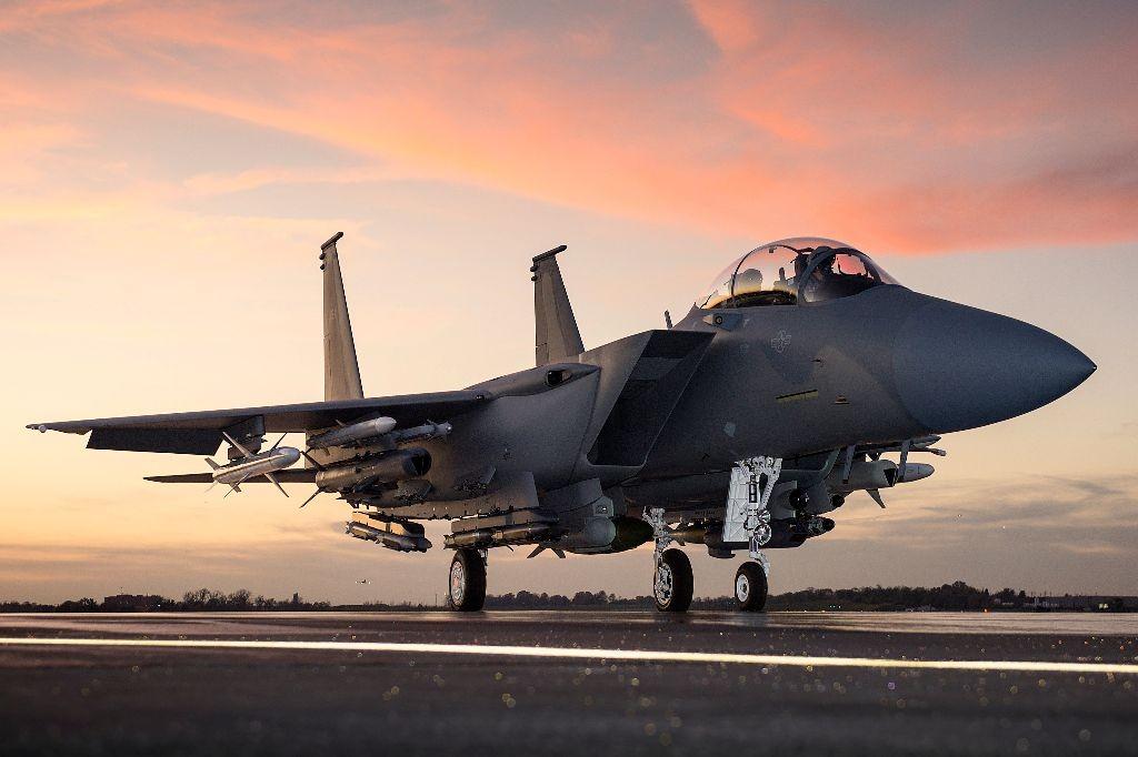 Boeing  Fecha Contratos Bilionários no Oriente Médio