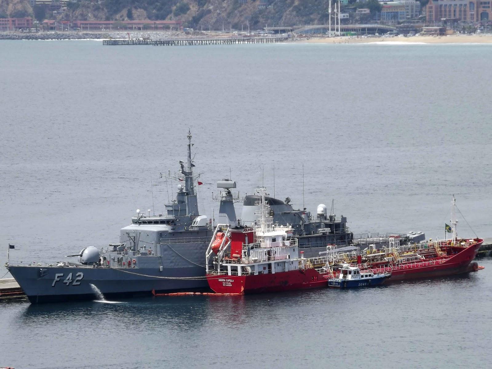 GALERIA: No Chile para a Exponaval 2016, fragata brasileira opera com diferentes meios da Armada local