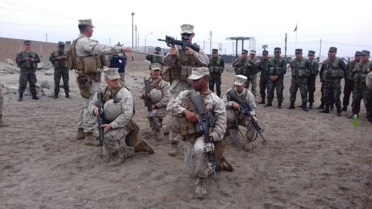 Fuzileiros Navais do Peru e dos EUA preparados para UNITAS 2017