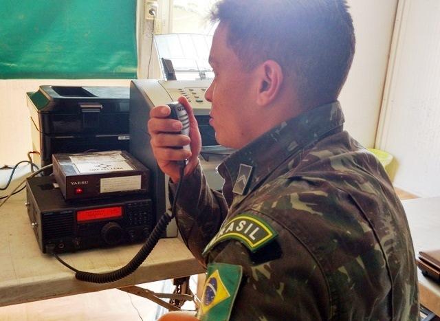 Contingente Brasileiro utiliza modernos sistemas de comunicações em Operações no Sul do Haiti