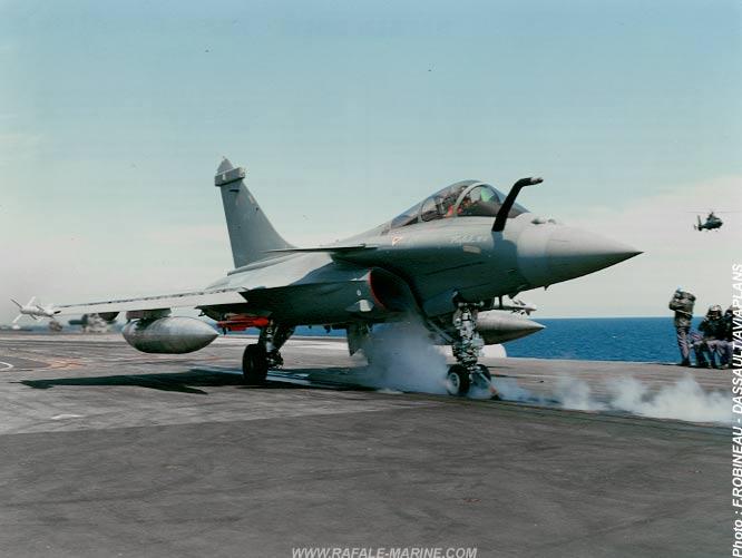 Quando o Dassault Rafale M operou no Porta Aviões Foch R-99 (Atual NAe 'São Paulo' A-12)