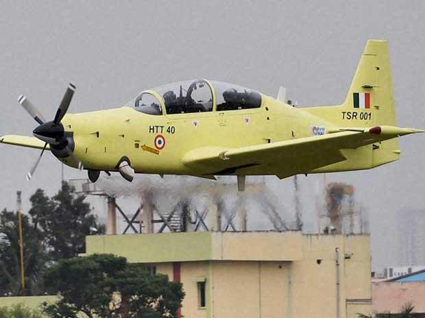 Mercado de treinadores: Indústria indiana acelera os testes do seu turboélice de instrução HTT-40 para fazer frente às vendas do Pilatus PC-7 Mark II suíço