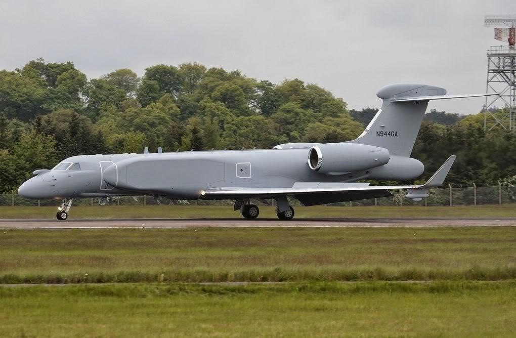 TECNOLOGIA: Israel entrega à Itália 1º Gulfstream de Alerta Aéreo Antecipado, com radar alojado na lateral da fuselagem