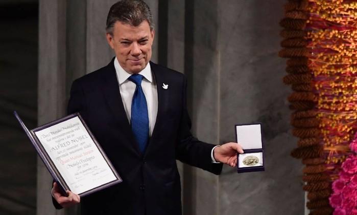 Presidente colombiano recebe Nobel da Paz em premiação na Noruega