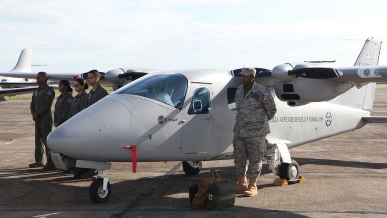 Aviação Dominicana apresenta o bimotor de vigilância marítima que vai orientar as operações do Super Tucano sobre o Mar do Caribe