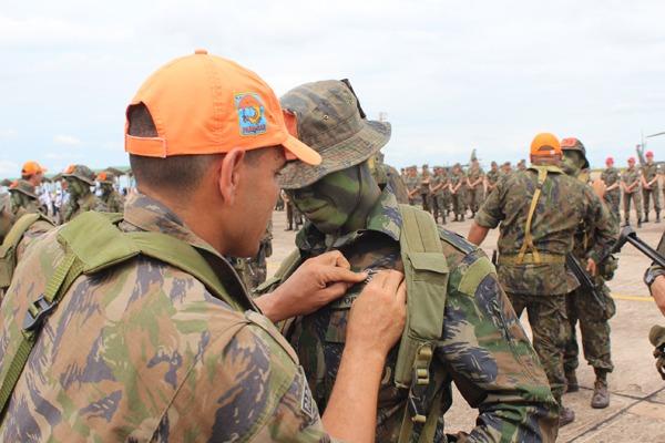 FAB PÉ DE POEIRA: Esquadrão Aeroterrestre de Salvamento (PARA-SAR) forma novos militares especializados em  busca e salvamento.