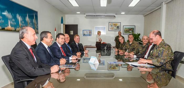 AEROESPACIAL: Avibras vai produzir motores para lançador de microssatélites do Programa Espacial Brasileiro