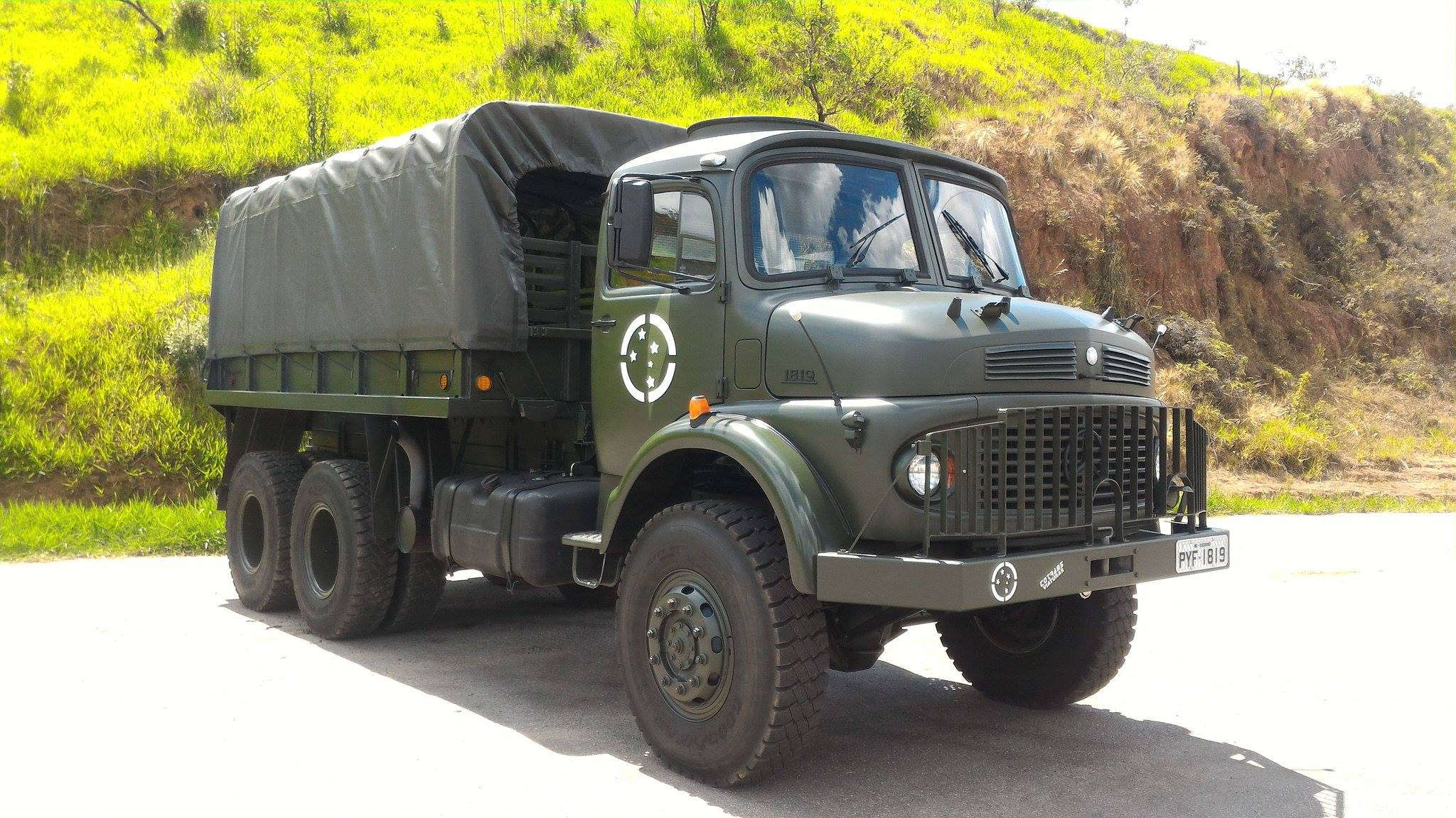 Made in Brazil : Mercedes-Benz LG-1819 6X6