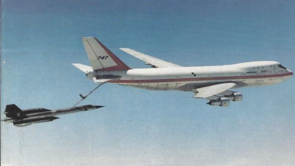 "KC-33 : O super 747 ""Tanker/Cargo"" da Boeing"