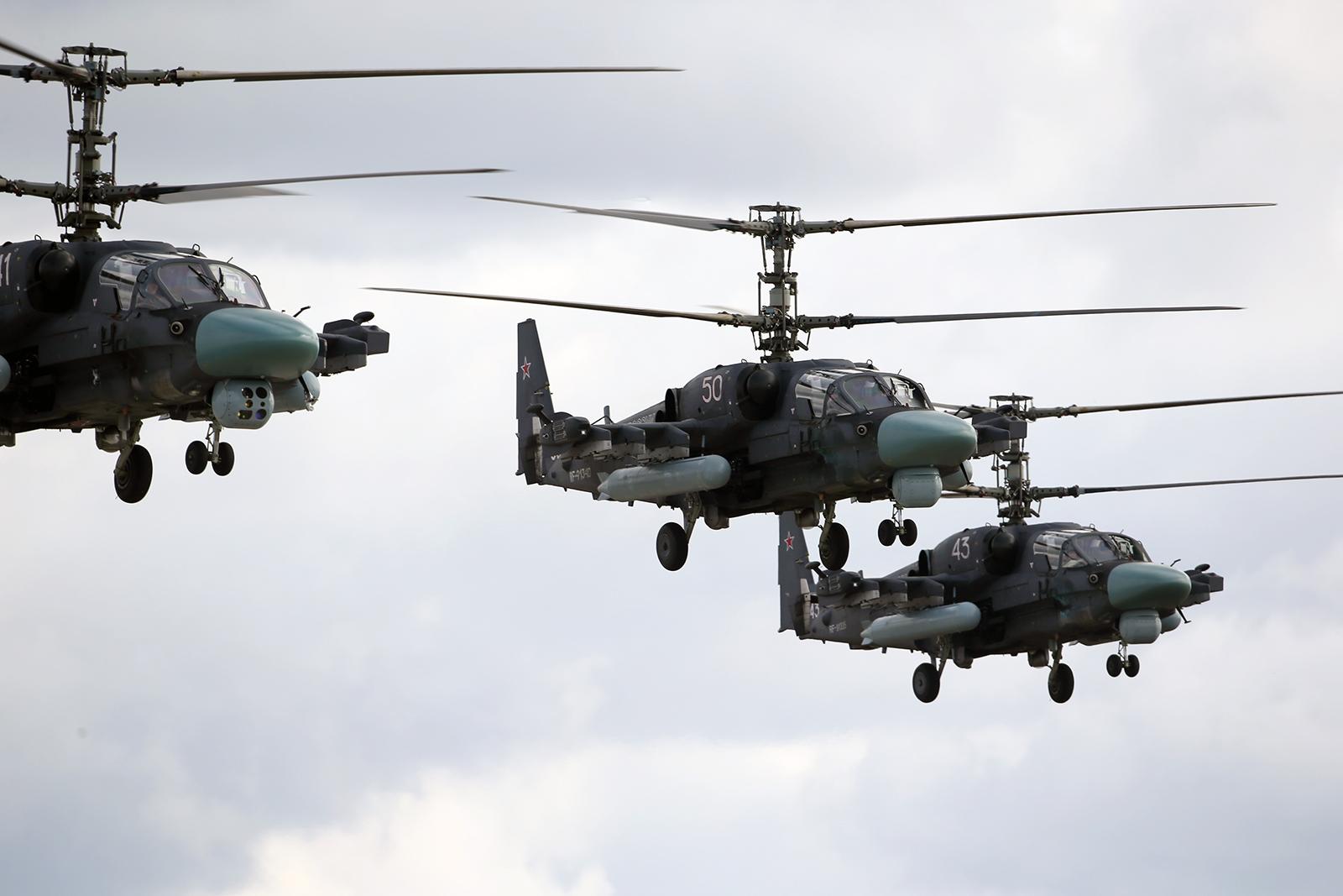 MD russo planeja assinar em breve um contrato para aquisição de 114 helicópteros de ataque e reconhecimento Ka-52M