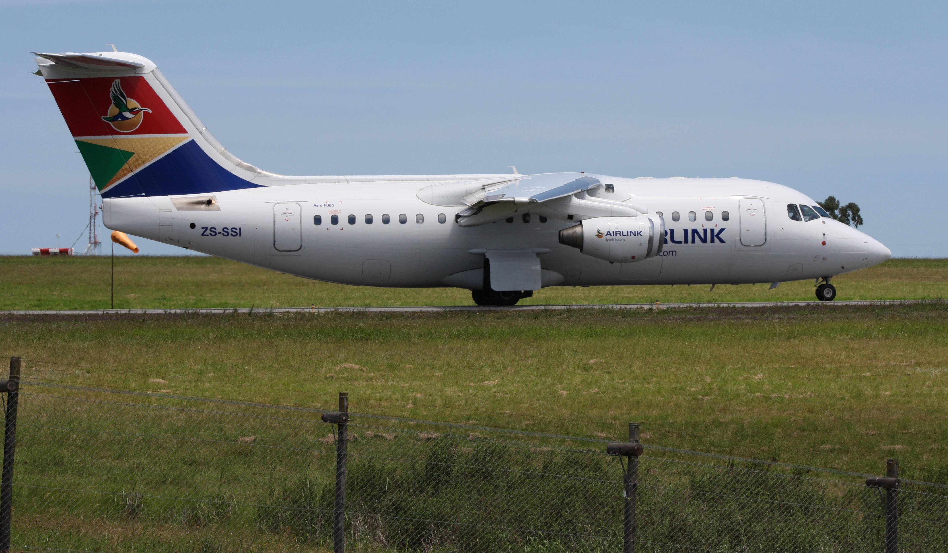 Reflexo do desastre? Companhia sul-africana que voa o mesmo modelo do jato que caiu em Medellín anuncia a substituição desses aparelhos por aviões da Embraer