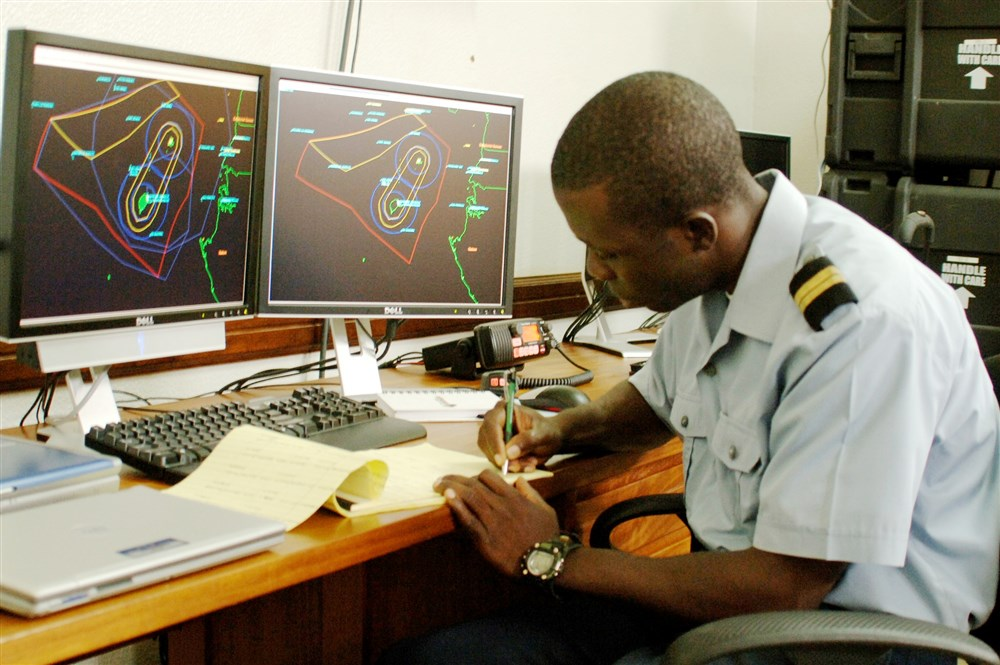 EUA financiam a expansão, para os países da África do Norte, dos sistemas de vigilância naval adotados pelas marinhas da África Negra; preocupação é com as incursões de terroristas pelo mar