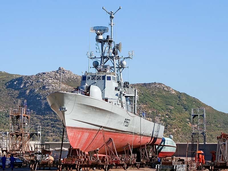 Não está fácil para ninguém! Com poucos navios e muitos encargos, Marinha sul-africana manterá em operação, por mais 4 ou 5 anos, suas lanchas-patrulha das décadas de 70/80