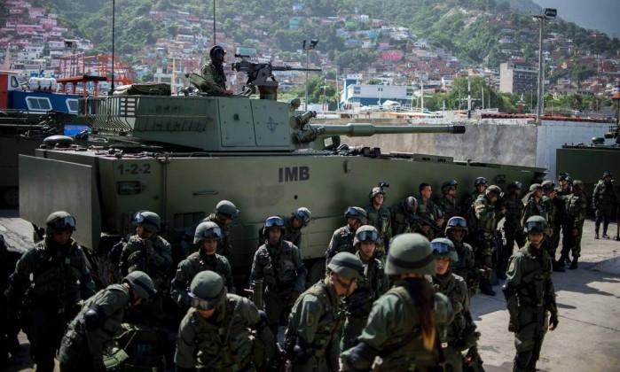 Venezuela: Mesmo com crise econômica grave, Maduro reforça arsenal militar