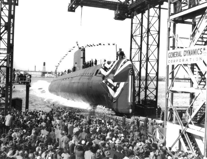 Há 63 anos era lançado o USS Nautilus o primeiro submarino nuclear.