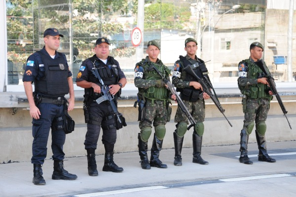 Plano Brasil/Análise: A diferença entre defesa e segurança