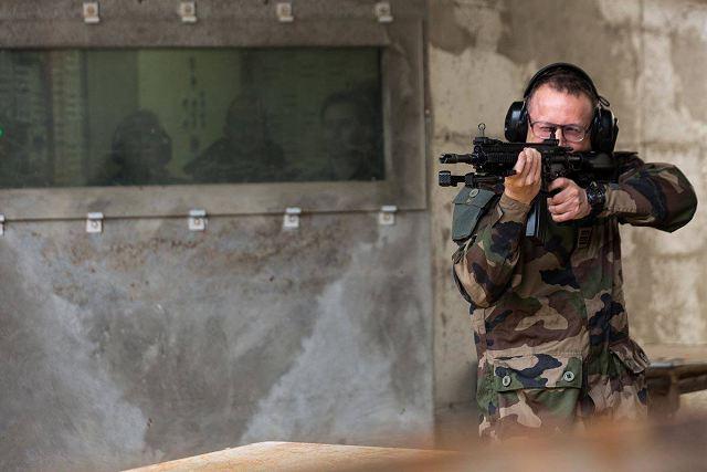 França inicia testes do fuzil de assalto  Heckler & Koch HK-416F