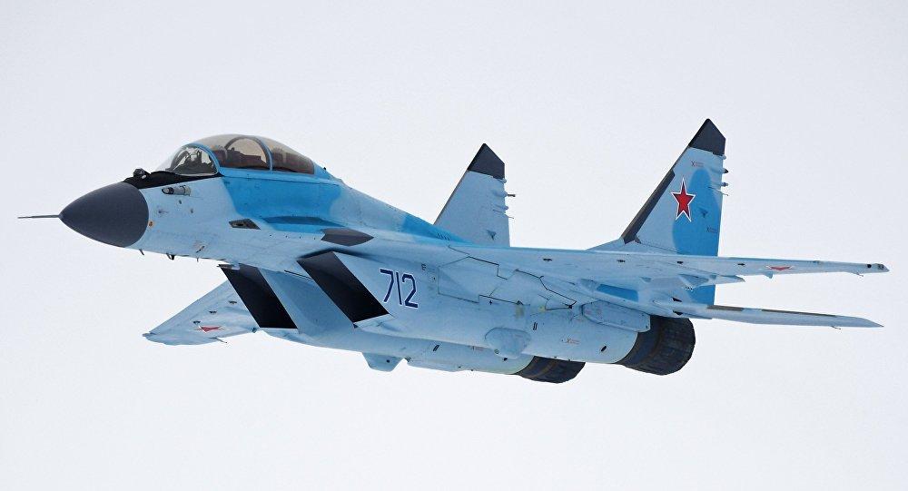 IDEX: 2017: Emirados Árabes Unidos e Rússia desenvolverão juntas um caça leve