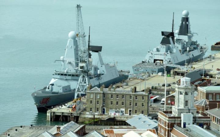 """Navios de guerra britânicos """"São tão barulhentos que os submarinos russos podem ouvi-los a 100 milhas de distância"""""""