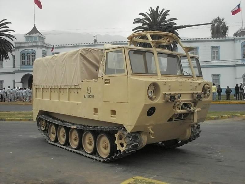 Vídeo : Veículo FAMAE M-548 porta combustivel