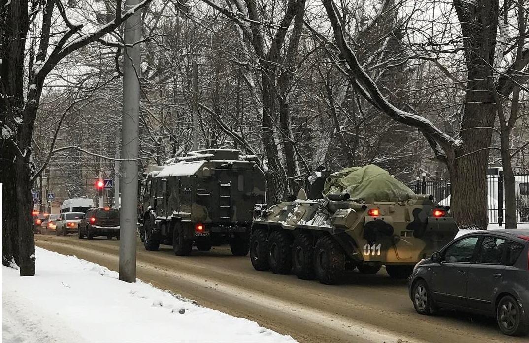 Rússia desdobra mais tropas para fronteira com a Ucrânia