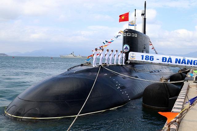 GALERIA: Marinha do Vietnã comissiona os dois últimos submarinos Kilo do grupo de seis recebido da Rússia
